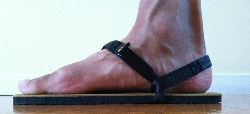 luna-sandals-mono-left