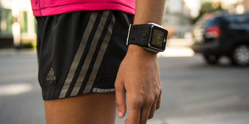 adidas-micoach-smart-run-female-athlete