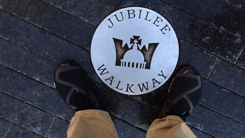 skora-phase-jubilee-walkway-london