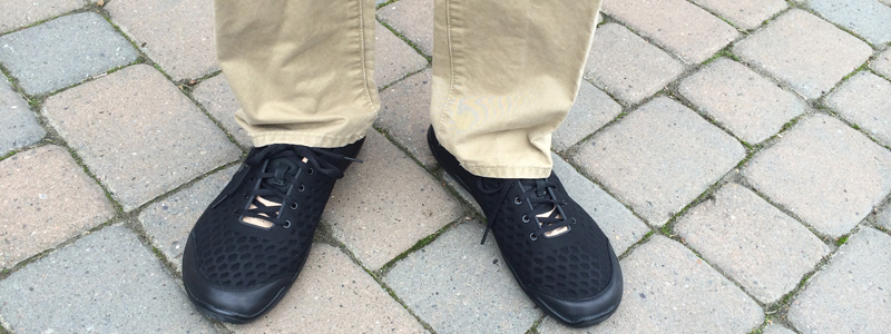vivobarefoot-stealth-lux-front