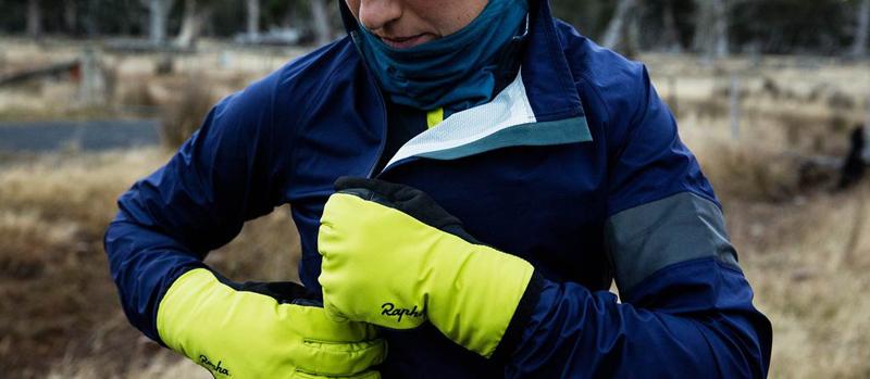 rapha-winter-gloves-carpenter
