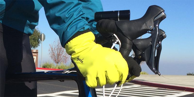 rapha-winter-gloves-position-1