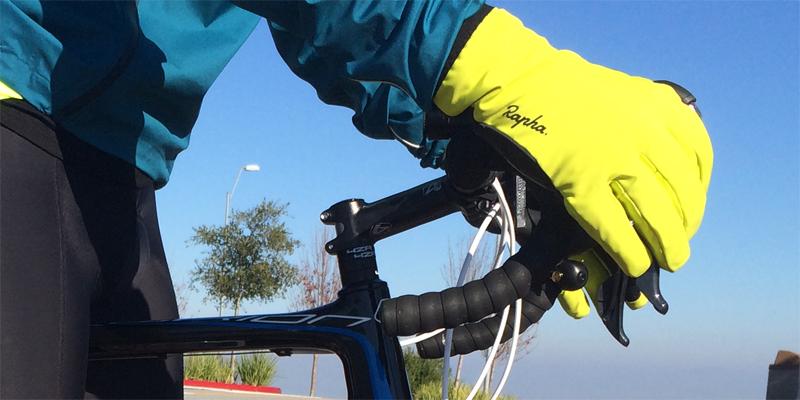 rapha-winter-gloves-position-3