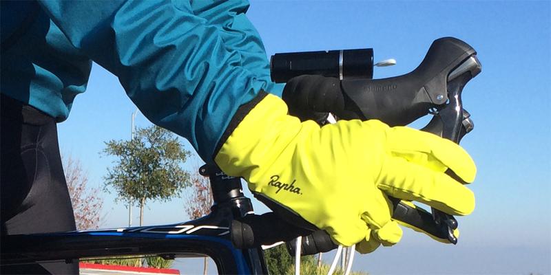 rapha-winter-gloves-position-4