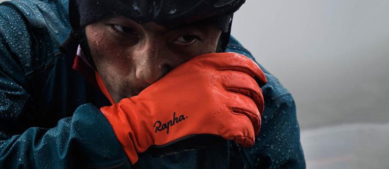rapha-winter-gloves-rain