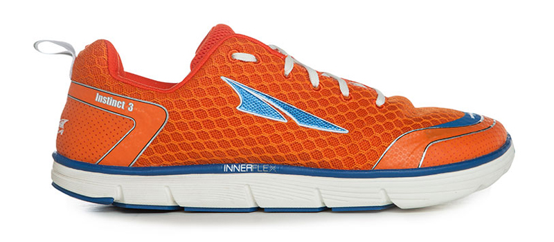 altra-instinct-3-right
