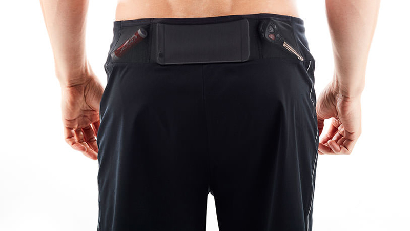 altra-running-performance-shorts-rear-pockets
