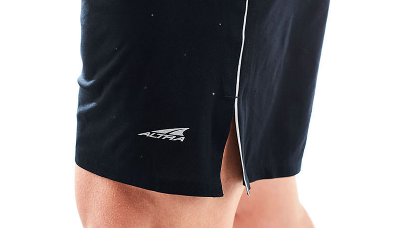 altra-running-performance-shorts-splits
